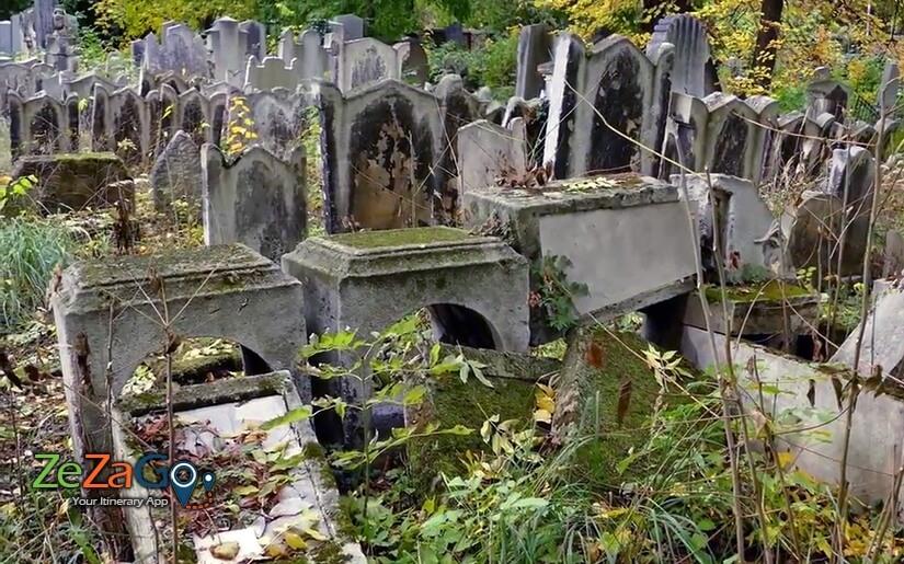 המצבות בבית הקברות היהודי בוורינג