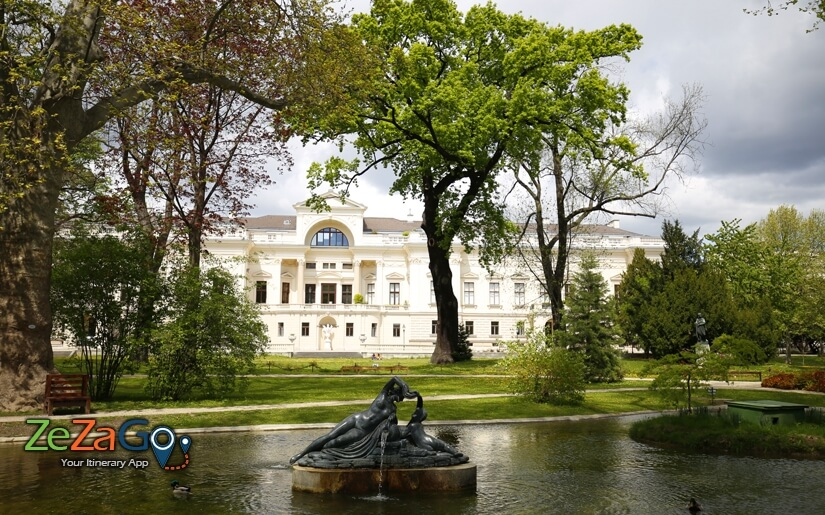 פארק ליכטנשטיין - Liechtenstein Park