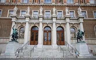 מוזיאון האקדמיה לאומנות - Gemaldegalerie der Akademie