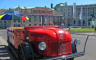 סיור במשאית האדומה - Old Timer Tour
