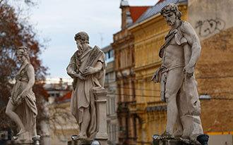 פסלים בוינה