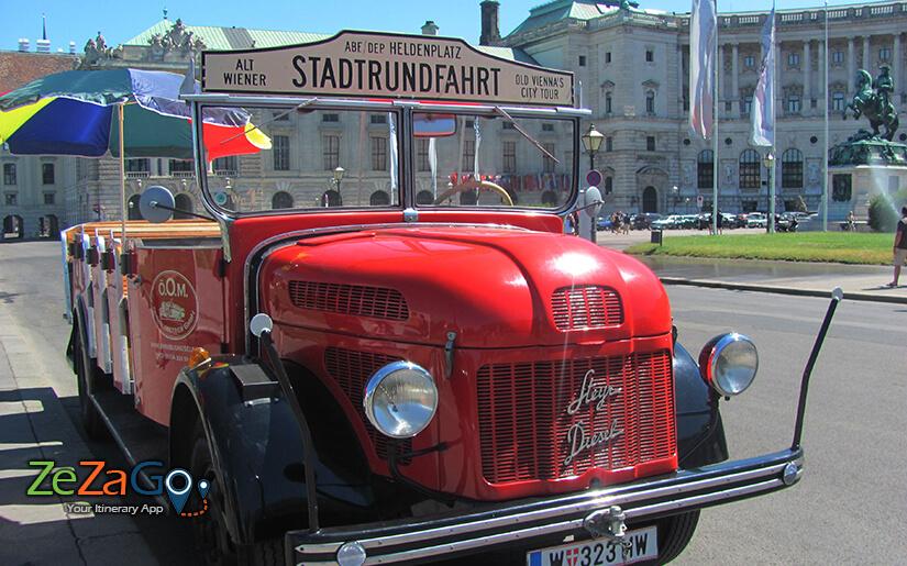 סיור במשאית האדומה