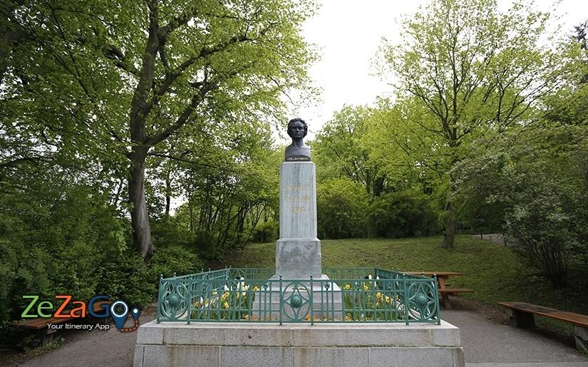 הפסל של בטהובן בגרינציג