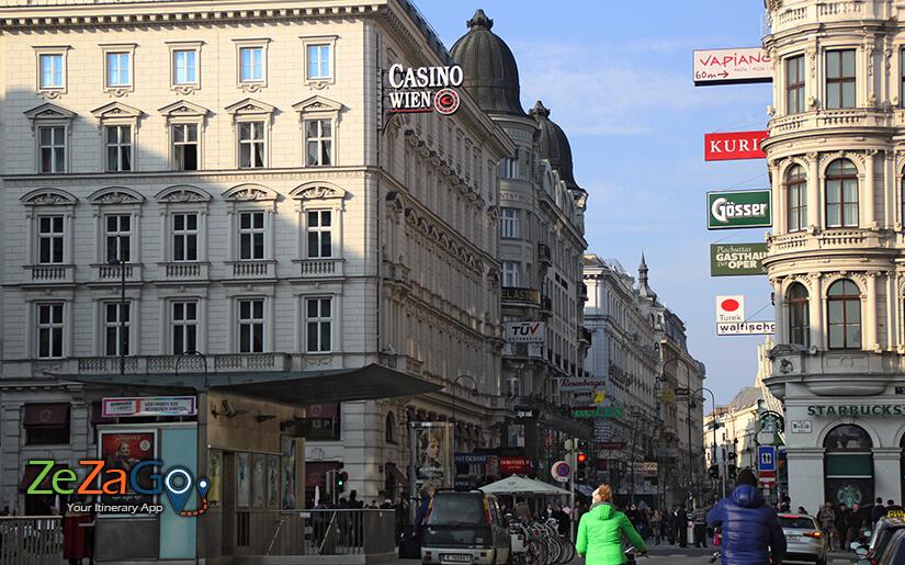 המדרחוב בווינה והבניינים המסוגננים שבצידיו